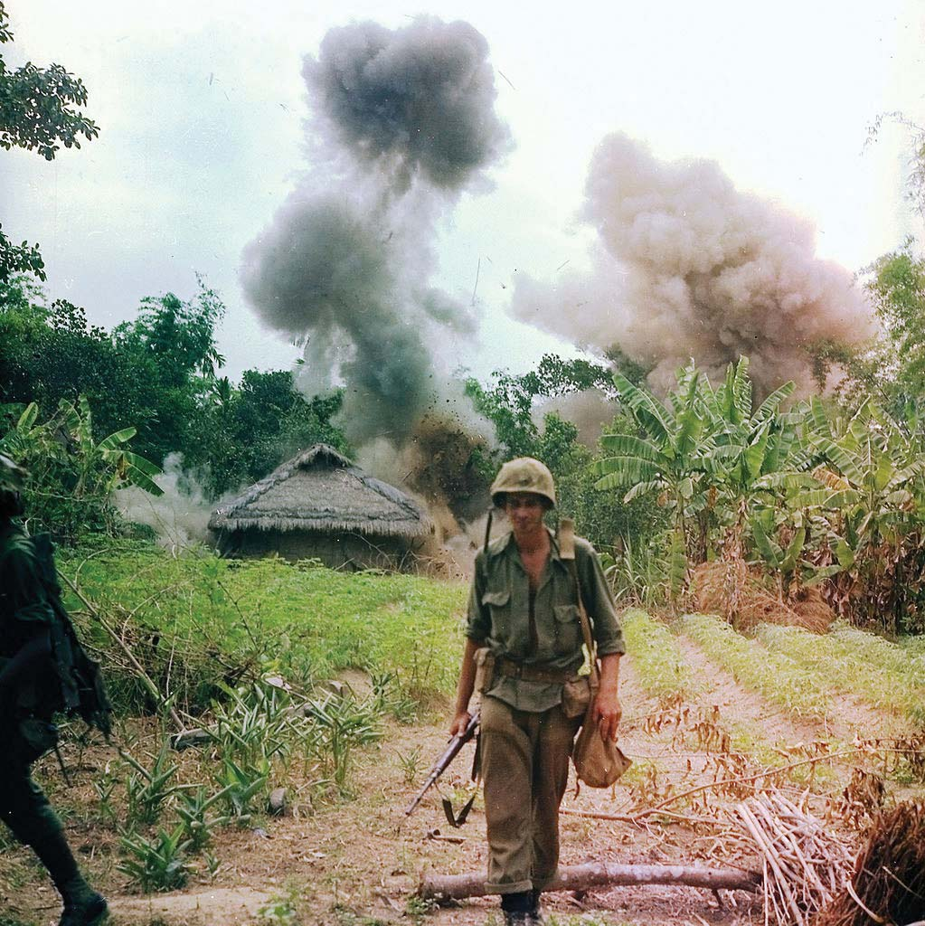 US-Marines-bombing-bunkers-tunnels-Viet-Cong-1966.jpg